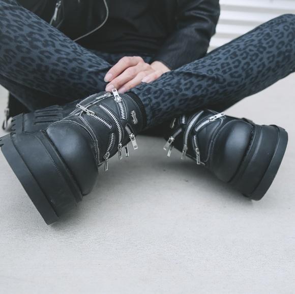 "DEMONIA Black 4 3//4/"" Wedge Platform Goth Gogo Dancer Ankle High Boots STOMP-12"